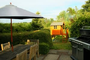 Large Gas BBQ & Eating area